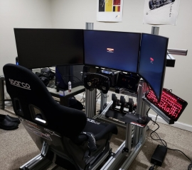 Sim racing cockpit